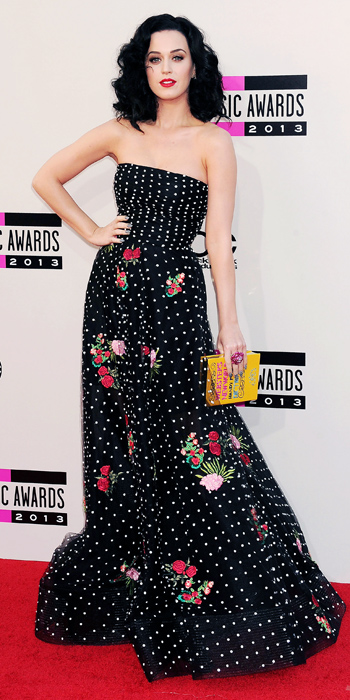 112513-amas-fashion-10-350