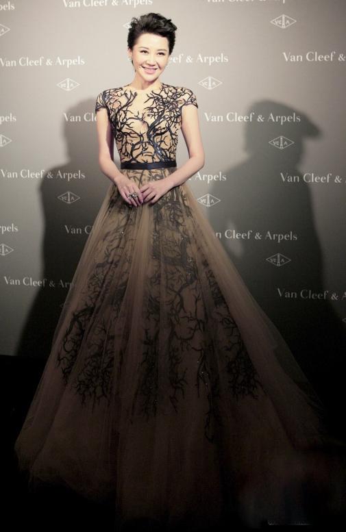 Xu-Qing-Van-Cleef-Arpels-Beijing-Dinner-Zuhair-Murad-Couture-1
