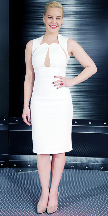 012414-LOTD-Abbie-Cornish-350