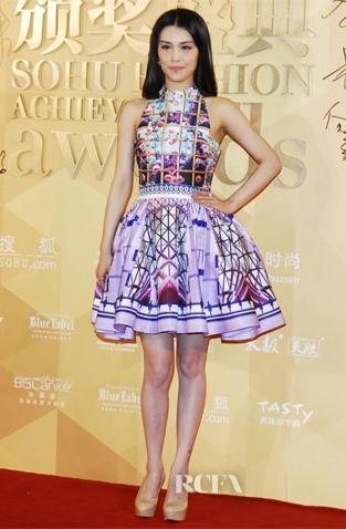 Han-Dantong-In-Mary-Katrantzou-2nd-Sohu-Fashion-Achievement-Awards