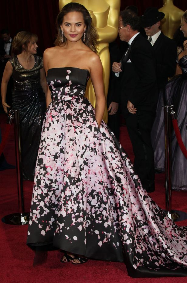 chrissy-teigen-at-86th-annual-academy-awards-in-hollywood-1