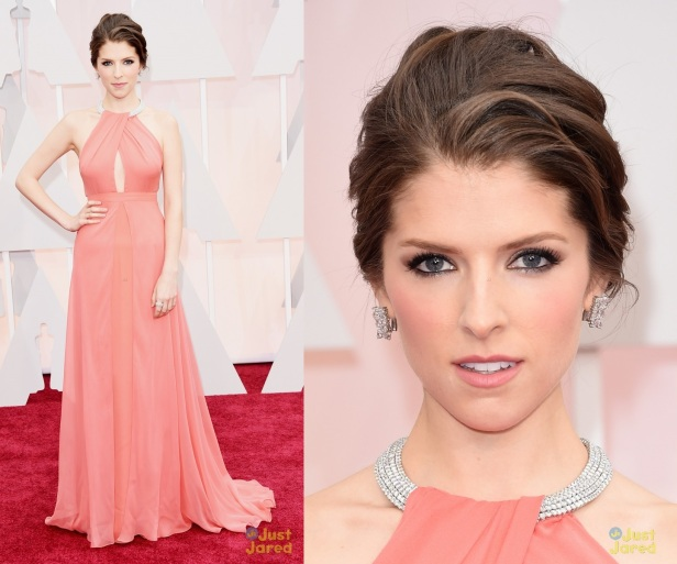 anna-kendrick-oscars-red-carpet-2015-01
