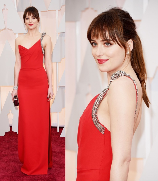 dakota-johnson-2015-oscars-red-carpet-in-hollywood_4