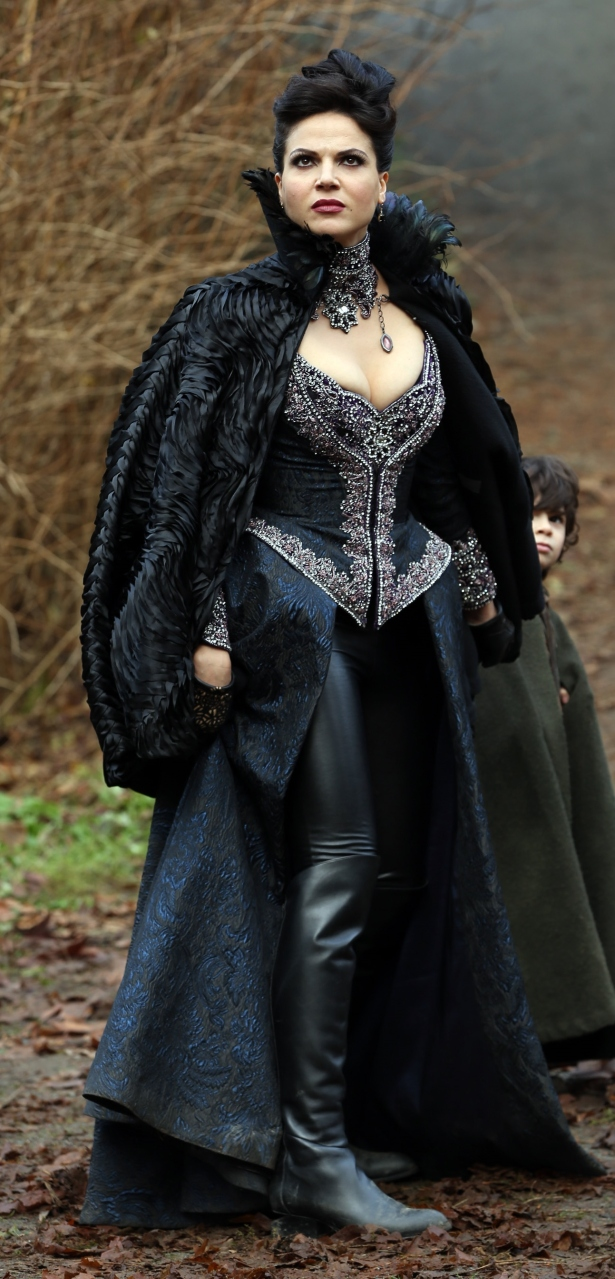 ouat-313-witch-hunt-16