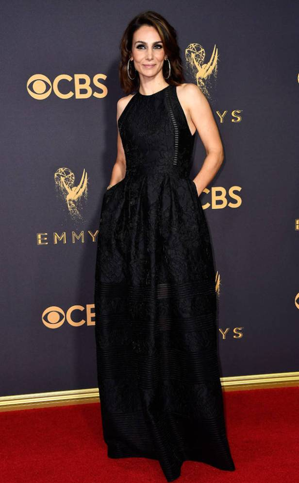 rs_634x1024-170917161152-634-emmy-awards-arrivals-2017-Annie-Parisse