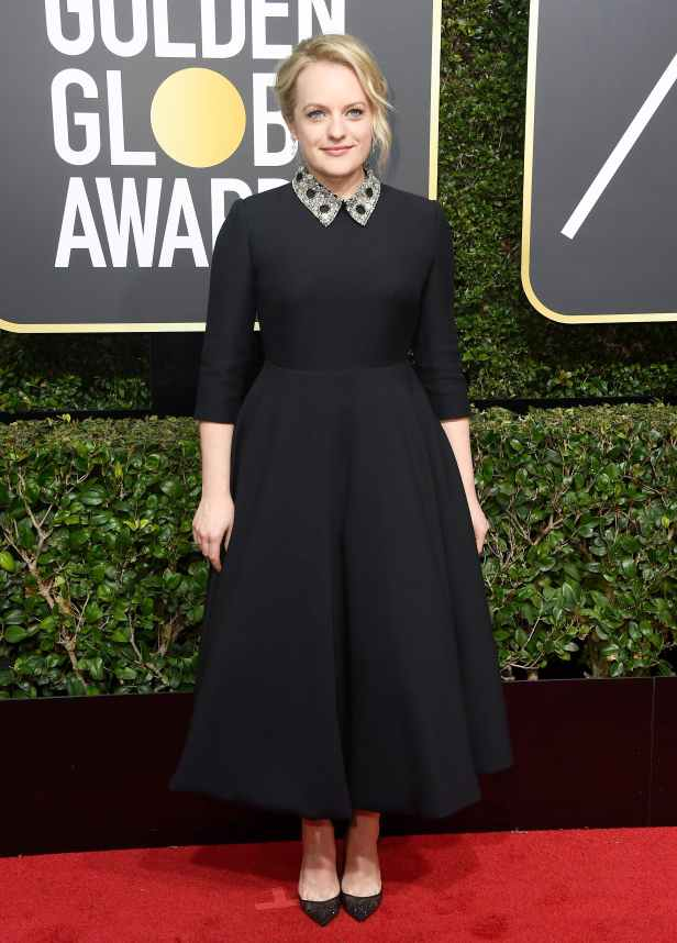 elisabeth_moss_2018_golden_globes_red_carpet1